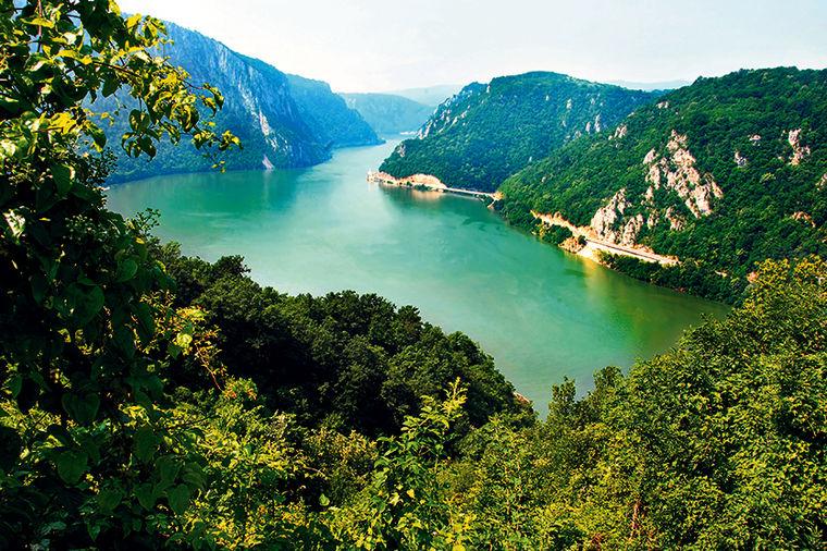 Srbija - Page 3 Derdap-srbija-priroda-odmor-putovanje-nacionalni-park-1371069011-4238