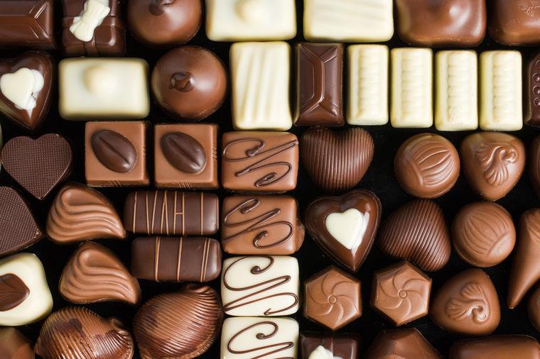 Pogodite o čemu sada upravo razmišlja osoba iznad? - Page 2 Cokolada-1376142105-10378
