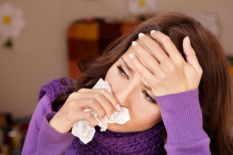Najbolji način da se zaštitite od gripa: Izbegavajte prijatelje i ostanite kod kuće!