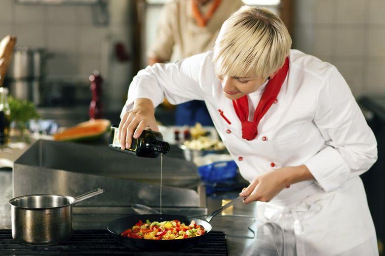 Kuvari otkrili: Ovu hranu nikad ne naručujemo u restoranu!