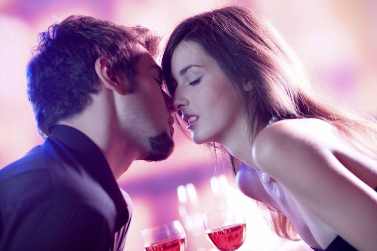 Par, poljubac, zavođenje