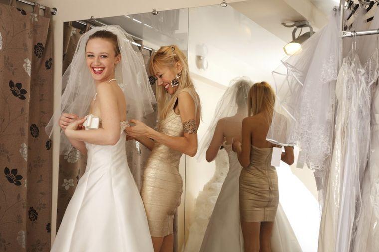 Bog na nebu, kuma na zemlji: 7 obaveza koje venčana kuma mora da ispuni!