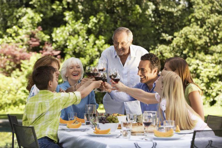 3 brza, ukusna i jeftina jela za najlepši porodični ručak: Slasno i nezaboravno! (FOTO)