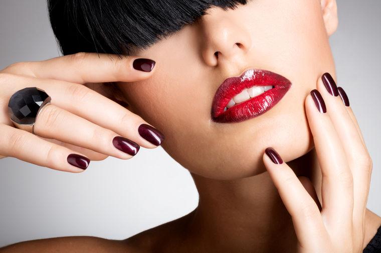 Volite gel na noktima: Ima stvari koje vaša manikirka ne želi da znate!
