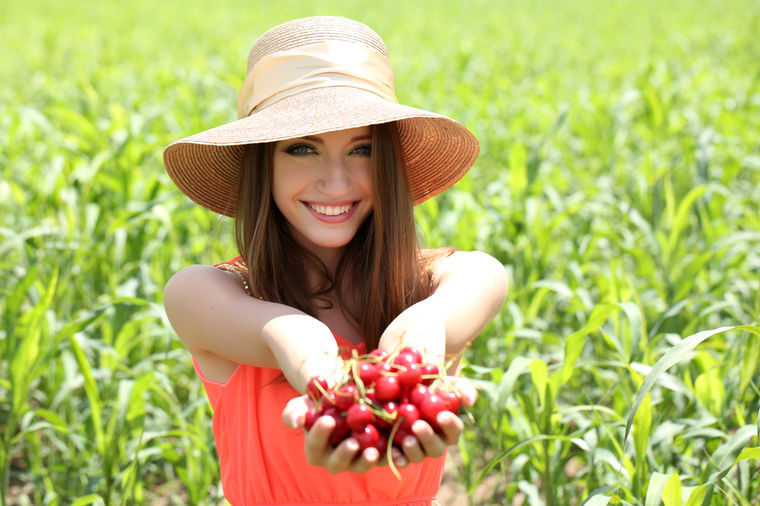 Povratite lepotu, osvežite telo: Ova srpska voćka je riznica zdravlja!