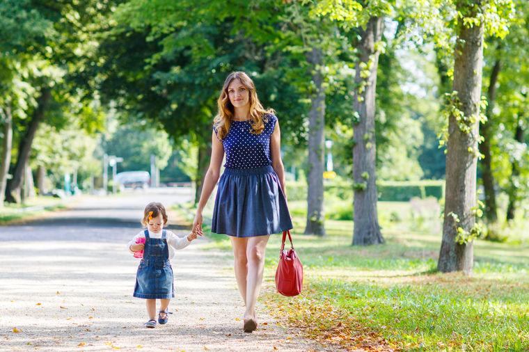 Zašto je Bog stvorio mamu: Fantastični odgovori dece će vas nasmejati do suza!