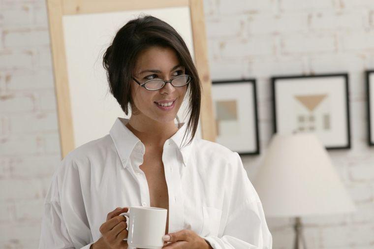 Rešite se glavobolje bez tableta: Ustajte na vreme, doručkujte i pijte kafu