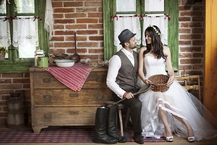 Ohrabrujući statistički podaci: Manje brakova, ali i još manje razvoda u Srbiji prošle godine!