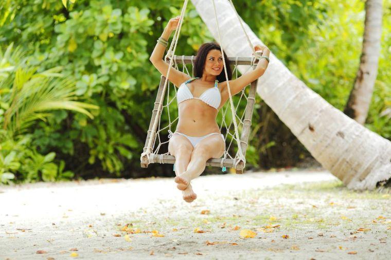 Zablistajte i budite primećene ovog leta: Kako da izaberete bikini za vaš tip grudi