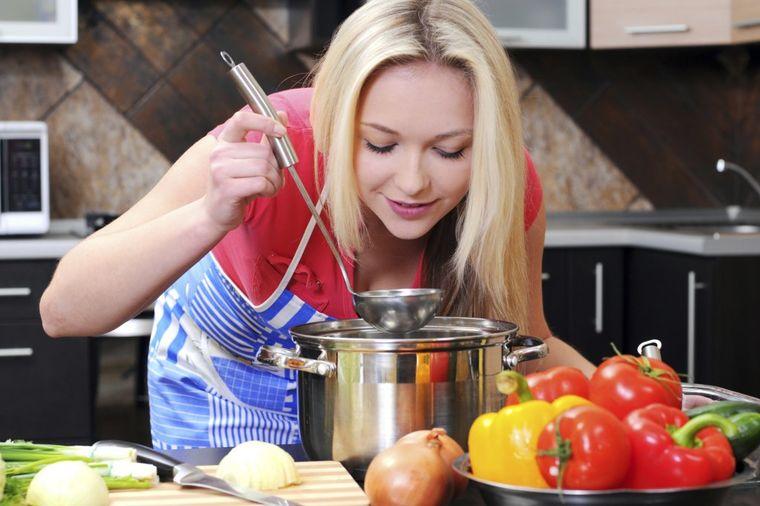 Uživajte u ukusnoj hrani bez nepotrebnih masnoća: Napravite zdraviju zapršku!