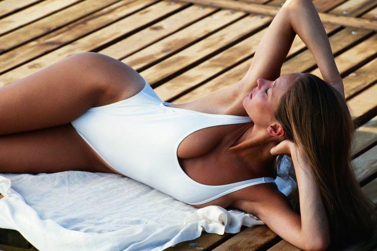 Ovo leto koristite prirodna ulja za tamnjenje: Za zdravu i lepu kožu (FOTO)