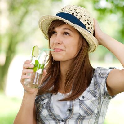 7 manje poznatih činjenica o steviji: Slađa je od šećera, leči stomačne probleme!
