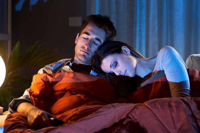 Pazite šta radite: Spavanje na stomaku izaziva seksi snove, a začini noćne more!