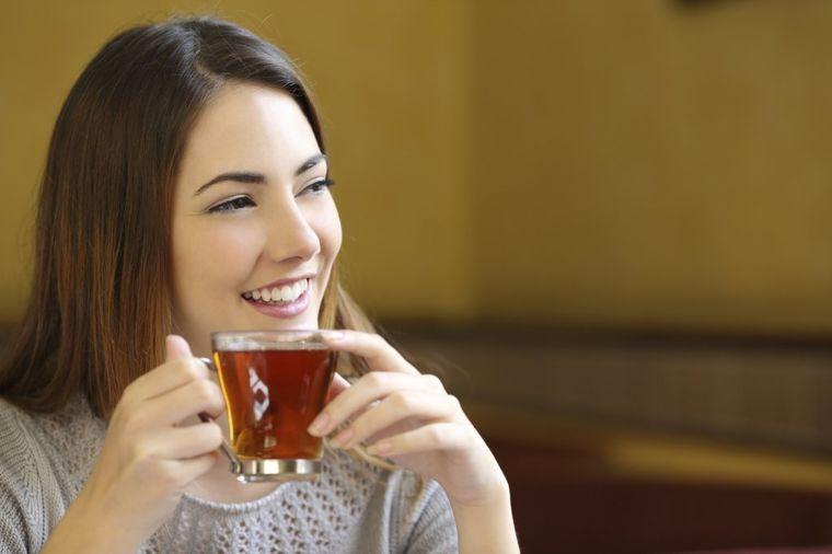 Napravite sami prirodni lek: Orahov čaj leči anemiju!