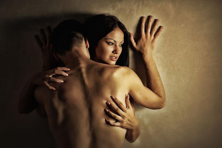 Vrelo i smelo: Šta je u seksu strogo zabranjeno tokom leta?