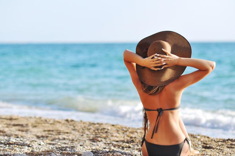 Bolovi u leđima uzrokovani dugim sedenjem: Dve jednostavne vežbe koje će vas opustiti!
