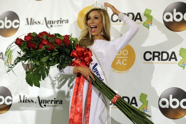 Upoznajte 23-godišnju Kiru Kazancev: Mis Amerike 2015! (FOTO)