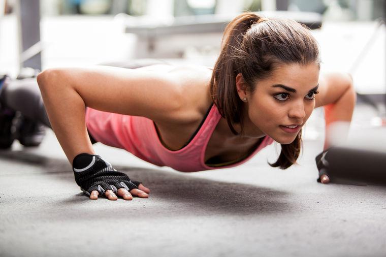 Trbušnjaci kao kamen, leđa bez bolova: Ova vežba je pravo čudo!