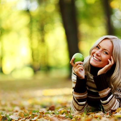 Pobedite višak kilograma: Samo jedna zelena jabuka dnevno može da spreči gojaznost!