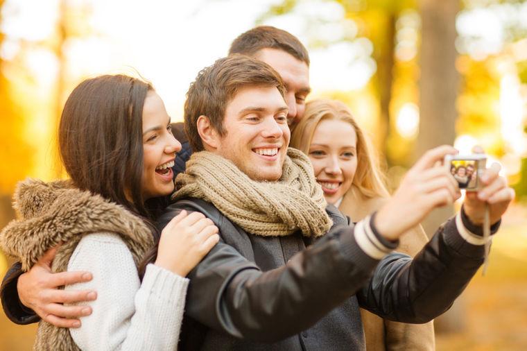 Rezultat slika za pozitivni ljudi druženje