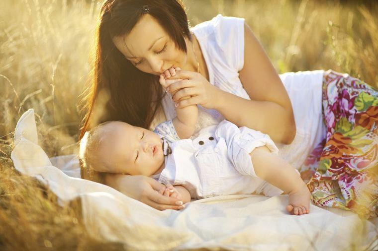 Treća faza prirodnog porođaja: Evo šta se dešava kada se beba rodi!