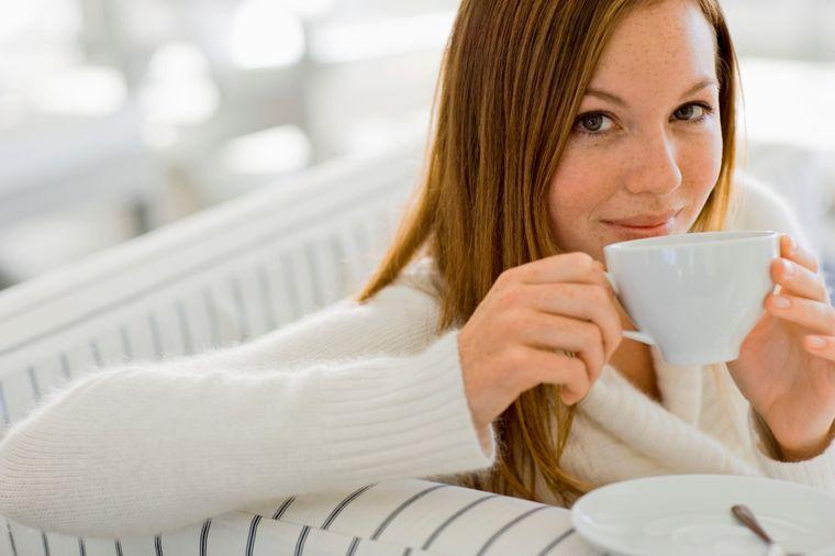 Lekoviti čaj od đumbira: Jača imunitet, poboljšava cirkulaciju i opušta nervni sistem!