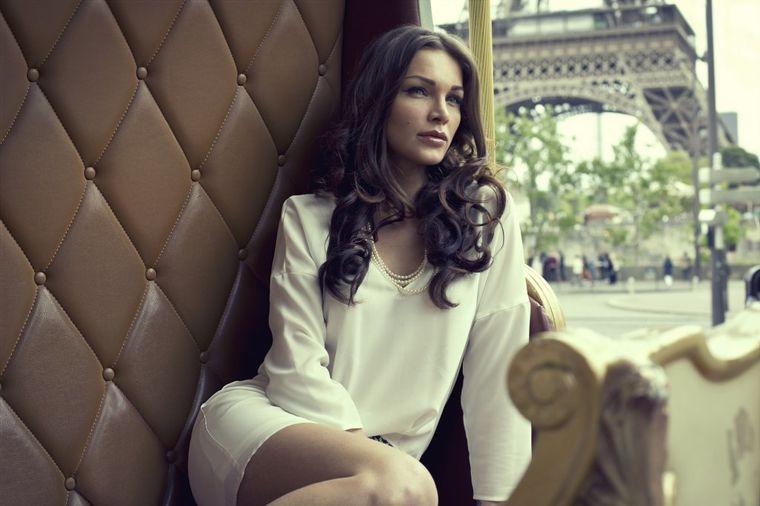 7 stvari koje nikada nećete naći u ormaru Francuskinje: Žene od stila ne nose veštačke materijale!