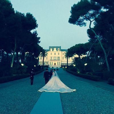 Ćerka poznatog bankara u venčanici od 35 metara svile: Haljina kakvu još niste videli! (FOTO)