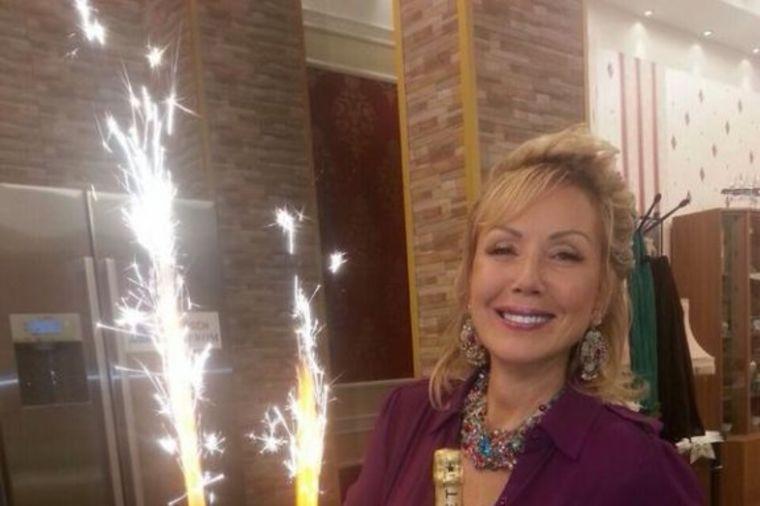 Lepa Brena proslavila 54. rođendan bez Bobe: Okupilo se društvo (FOTO)
