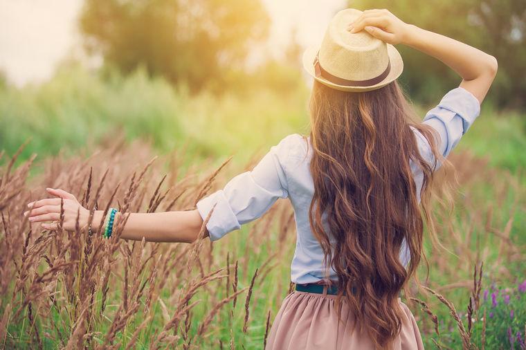 Navike koje uništavaju kosu: Odreknite se repa i punđe, češljajte se od krajeva ka korenu!