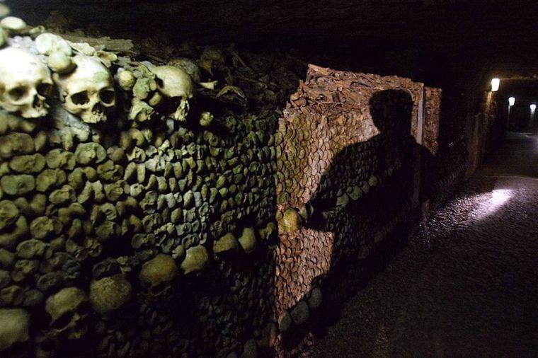 Dobrodošli u carstvo mrtvih: Katakombe u Parizu (FOTO)