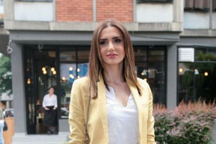 Emina Jahović: Bio me je stid od Mustafe