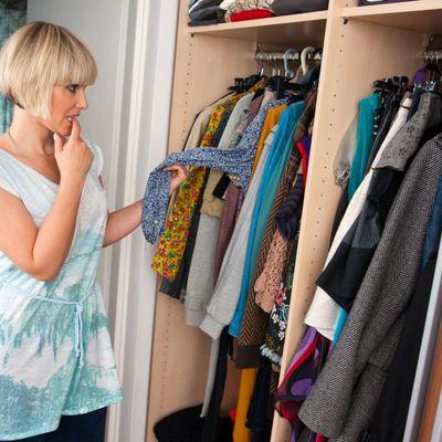 5 stvari koje odmah treba izbaciti iz ormara: I sami znate da ih nećete nositi!