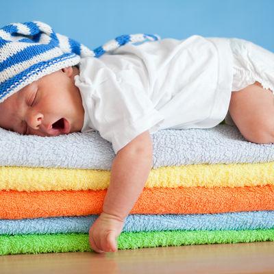Zvuk fena, veš mašine ili vožnja kolima: Bela buka umiruje i uspavljuje bebe!