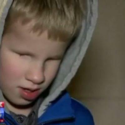 Sramota: Slepom dečaku (8) škola oduzela štap zbog lošeg ponašanja (VIDEO)