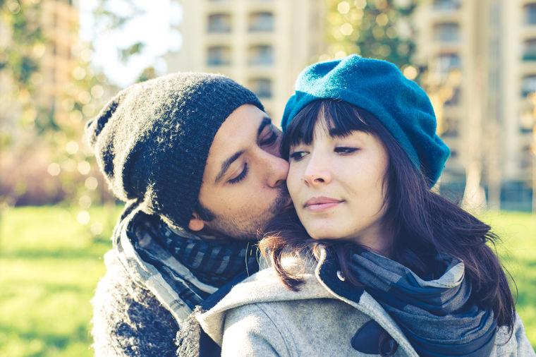 Navedite muškarca da se zaljubi u vas: 5 faktora koji pomažu da ostvarite emotivnu vezu