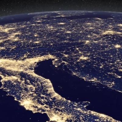 Kako planeta dočekuje praznike: Neverovatan pogled iz svemira na okićene gradove! (VIDEO)