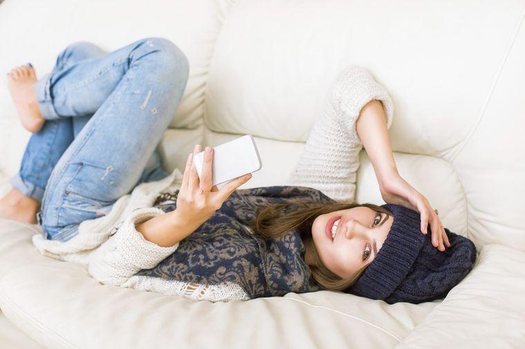 Šta 15 minuta korišćenja mobilnog radi vašem mozgu: Zastrašujući rezultati istraživanja!