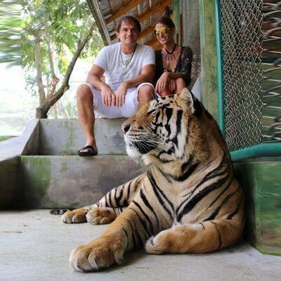 Dijana Janković u kavezu sa tigrom: Ovaj događaj pamtiću dok sam živa! (FOTO)