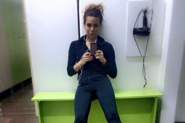 Selfi iz teretane: Nikolina Pišek ispunila obećanje nakon porođaja (FOTO)