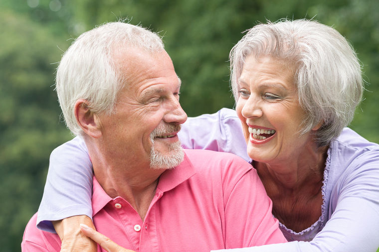 3 seksi poze za starije ljude: Bezbedne za zdravlje, opasno dobre za uživanje!