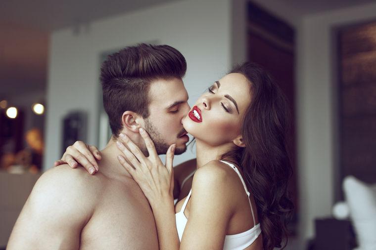 muškarac i žena ženka Ovan izlazi