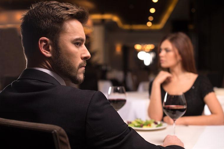 Par u restoranu