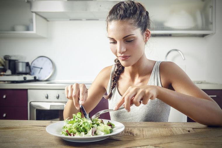 Šta sve sprečava gorušicu: Pomaže i ako svaki zalogaj žvaćete 10 puta!