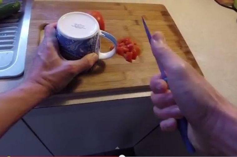 Bez muke: Kako da brzo naoštrite nož! (VIDEO)