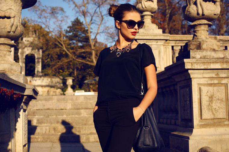 Devojka u crnom