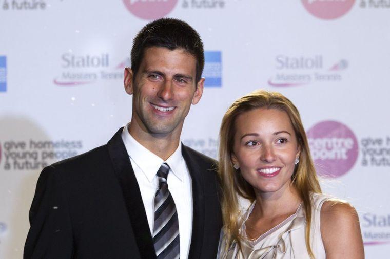 Đokovići čestitali Vaskrs: Šta vam žele Novak, Jelena i Stefan! (FOTO)