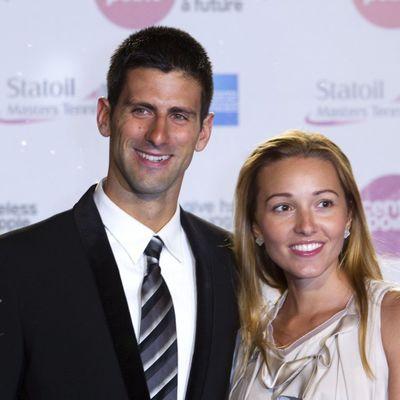 Novak i Jelena u šetnji sa sinom: Najemotivniji prizor do sada! (FOTO)