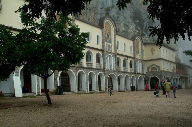 Manastir Ostrog 1437124502 63474