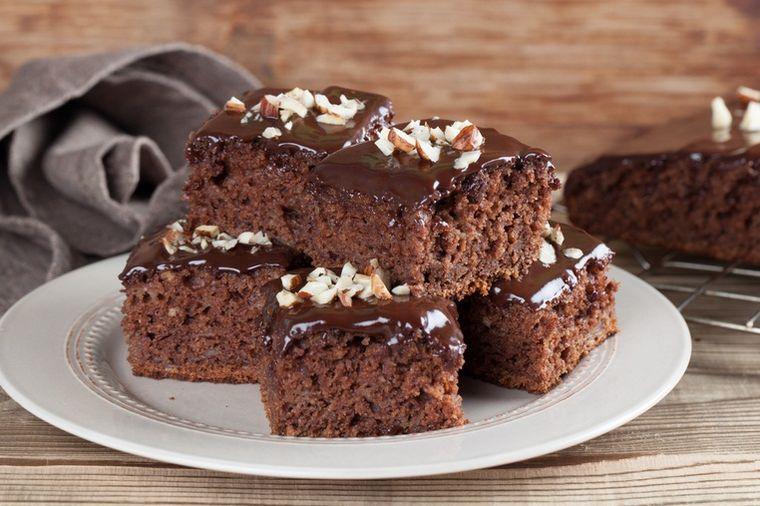Juluška ili julpita: Najjeftiniji starinski kolač! (RECEPT)